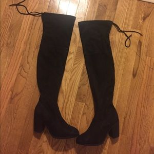Over the knee suede black boot
