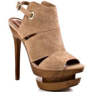 Jessica Simpson Camel Suede heels