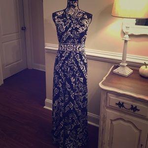Beautiful WHBM Maxi Dress