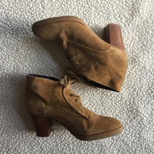 GAP Lucy Lace Up Booties