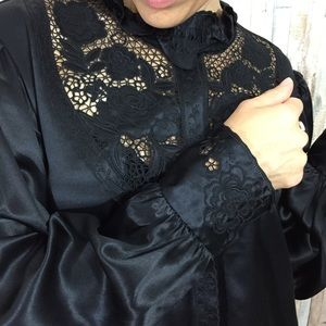 Hand Embroidered Vintage 100% Silk Blouse 89bc3f522