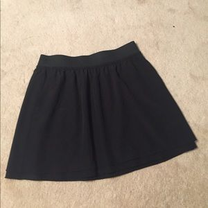 Black Ann Taylor LOFT light flowy polyester skirt