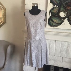 NWTS MAX Studio Gry Lace Overlay Dress, Feminine