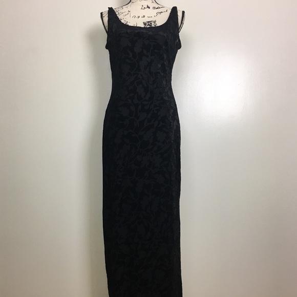 31476c1ade96b Vintage 90s Laundry by SS Velvet Maxi Dress Black.  M 59c9acdf2fd0b7f11209b444