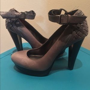 Calvin Klein Gray Patent Leather pumps with strap