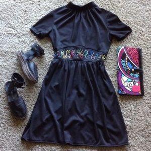 Dresses & Skirts - Vintage Embroidered Fit & Flare Dress
