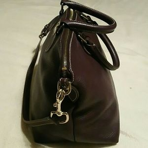 Dooney & Bourke Bags - Dooney and Burke leather purse