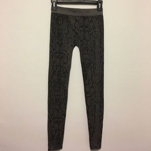 Pants - Black And Grey Leggings