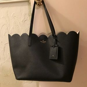 Kate Spade Lily Ave Carrigan scallop Tote