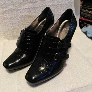 Guess by Marciano Heels - 9M (pre-owned)