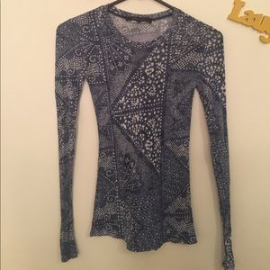BCBGMAXAZRIA long sleeve blue pattern shirt