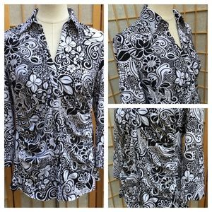 Essentials by Milano Black & White Print Top SZ M
