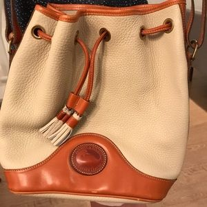 Dooney & Bourke Bags - Vintage Dooney & Burke drawstring bucket bag