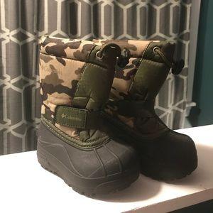 Columbia camo winter boots