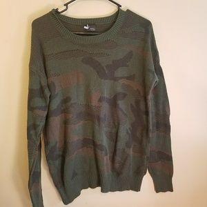 LIKE NEW Sparke and Fade camo sweater