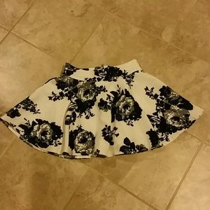 Floral circle skirt with zipper details