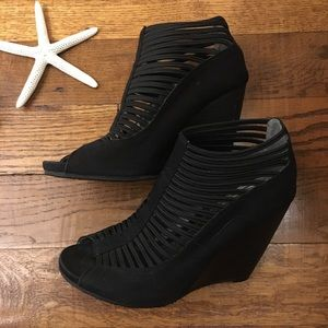 MIA Strappy Black Wedges