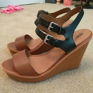 Cute mossimo wedged sandals size 11