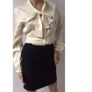 Cream Vintage Bow Top Size 10