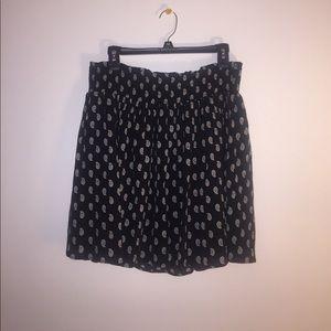 Old Navy crepe mini skirt