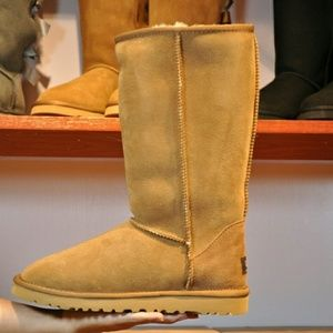 UGG classic tall women snow boots