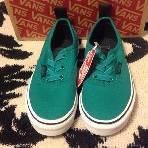 Vans Shoes - Authentic elastic 3fcd9b9b4