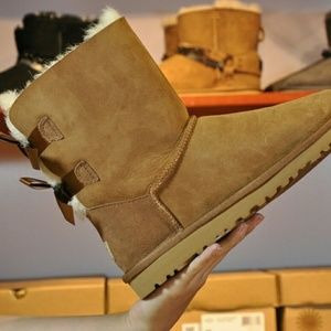 UGG Bailey 2 Bow Short Women Snow Boots