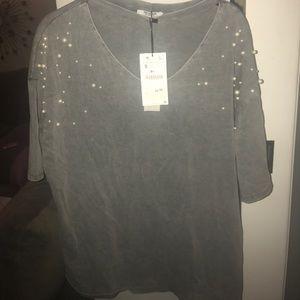 Zara t shirt Brand new pearl embellishments