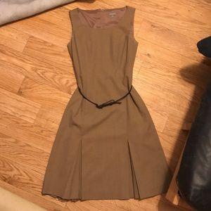 Tan/Brown Ann Taylor pleated classic dress w/belt