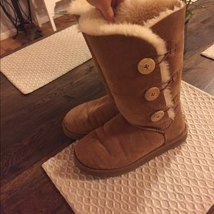 Tall ugg boots size 8. Authentic.
