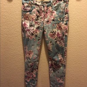 7 for all mankind denim in size 27