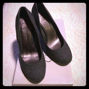 Great condition gray felt Jessica Simpson heels