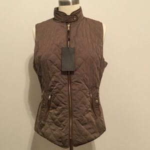 NWT army green quilted vest