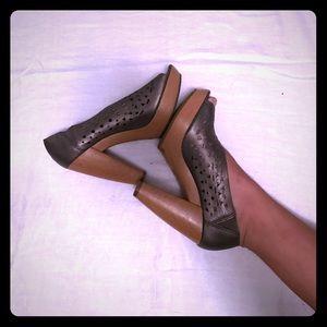 Chunky lucky brand heels