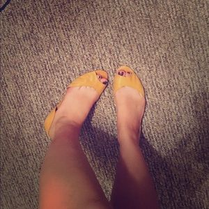 Nine West Yellow flats👠👠