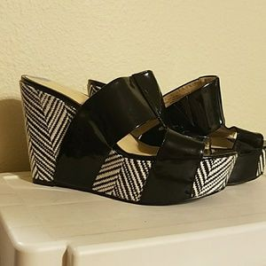 Black n white nine west heels