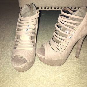 Steve Madden heels in tan