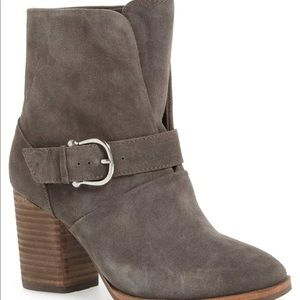 New $150 ISOLA Lavoy Ankle Boots Size 6M