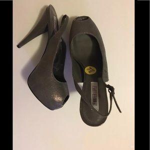 Brand new Jennifer Lopez Slingback Peep toe heels