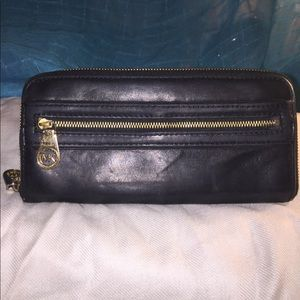 MICHAEL KORS AUTHENTIC Wallet, Black Leather.