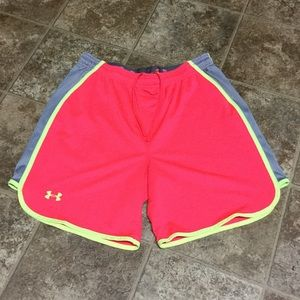 Under Armour Heatgear Loose Fit Shorts Small NWOT