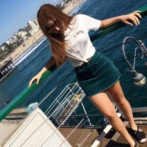 High waist green velvet skirt 😍❤️