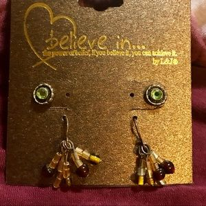 Jewelry - Adorable Set of 2 pair of earrings