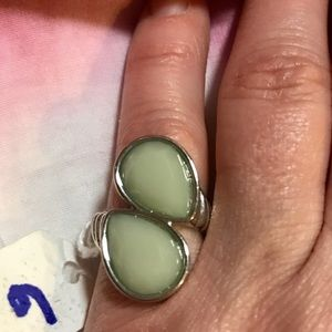 Jewelry - Gorgeous green stone rings