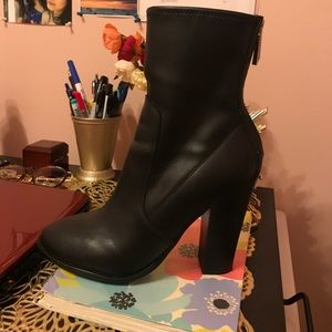Ankle boots (leather)
