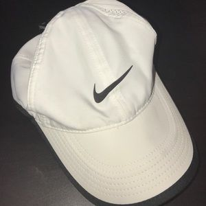NWT Nike dri fit tennis hat