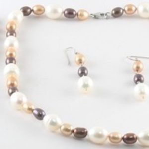 Necklace and Earring Set Freshwater Pearl