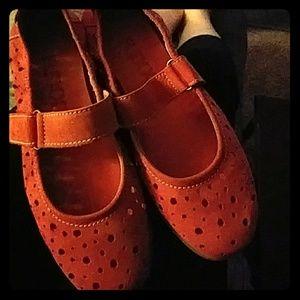 """The Flexx"" Leathsr red women's shoes"