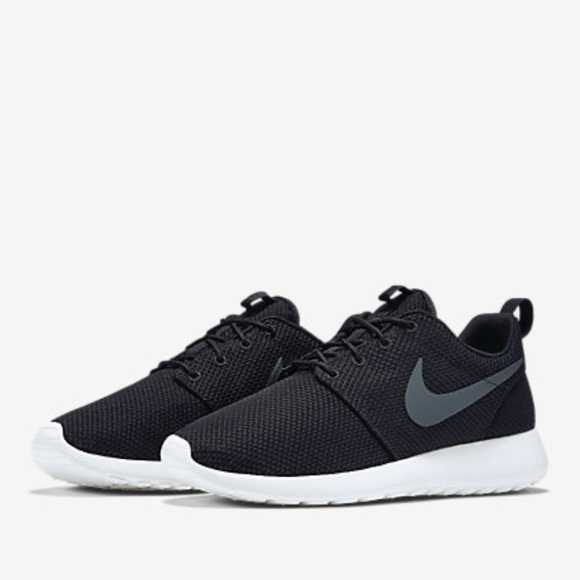 05bf990225019b Black and White Nike Roshes Men s Size 13. M 59ca1a4e2de512f3890b1df7