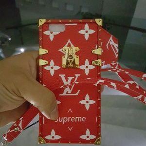 Supreme cover n strap